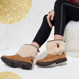 Ugg Brie chestnut fur boots nwt